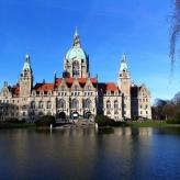 """Das """"neue"""" Rathaus von vorne"""