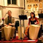 Neunkirchen Seelscheider Gospelnacht 2012 mit Donald Holtermanns (traditioneller Gesang und spielt auf eigens entwickelten Cajongas), Ate Damm ( Begleitung auf der Cajonga)