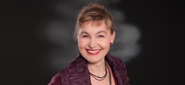 Diplom- Musikerin Manuela Dill