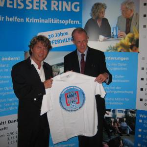 Pit Schneider Show Weisser Ring