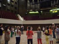 Vorbereitung eines Familienkonzerts im Leipziger Gewandhaus gemeinsam mit der Musikvermittlerin Lea Fink; Foto: Leonie Elsner