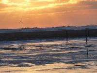 Sonnenuntergang an der Nordsee in Ostfreisland