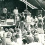 1989...Wolfgang sagt die Band auf der 2. Bühne an