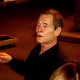 Wolfgang Helbich dirigiert das AV in der Stiftskirche Stuttgart