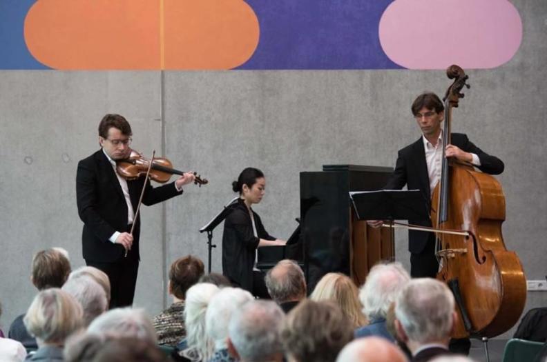 12.11.2017 Culturel Centrum Zuidhorn NNO Piano Trio Sergei Bolotny violin Keiko Sakuma piano Sven Otte contrabas
