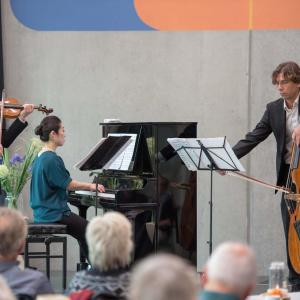 Piano Trio light classic Sergei Bolotny violin Svenn Otte duoble bass Keiko Sakuma piano