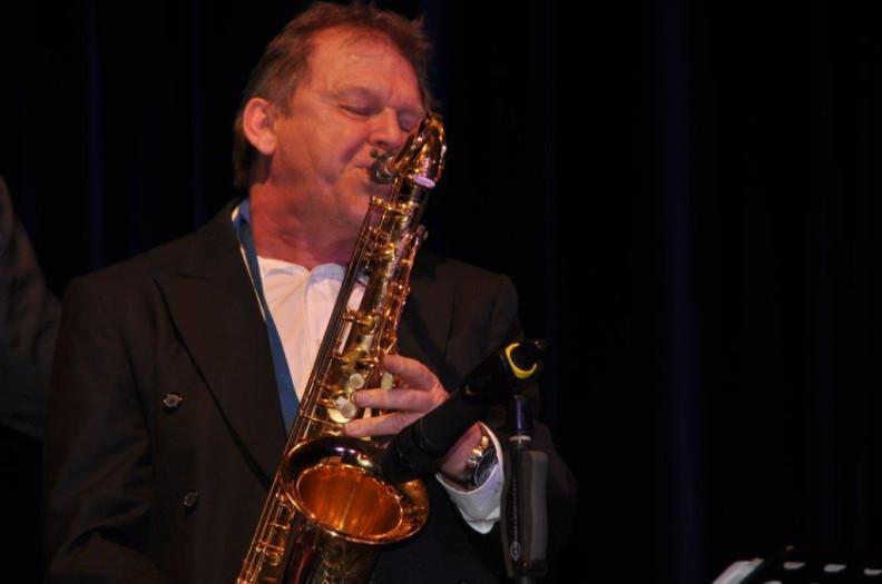Stefan Lamml Solist für saxophon mit der Big Band