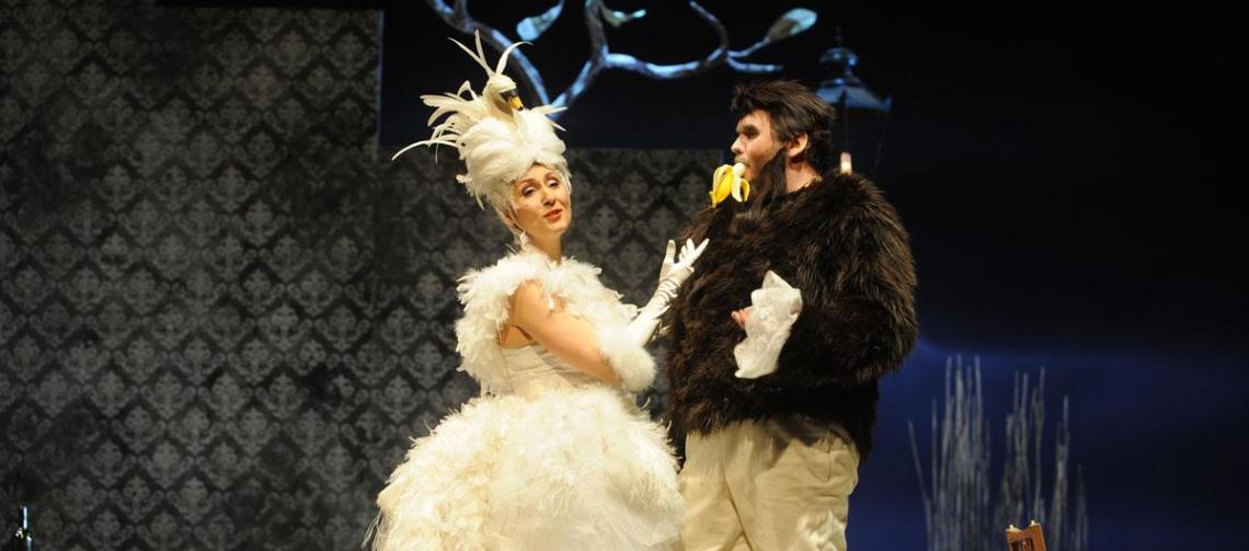 "Katja Bördner als ""Madame Pompadour"" mit Tobias Haaks"