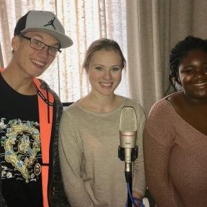 Hier unsere drei Gesangs-Starts: Jana. Larissa und Florian