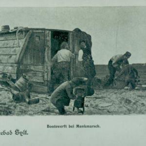 Ein Postkartenmotiv von der kleinen Reparaturwerft mit der alten Mühle