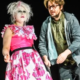 Larissa Angelini (Vivienne), Per Lindström (Jonah) - humanoid - Theater Winterthur ©T+T Fotografie