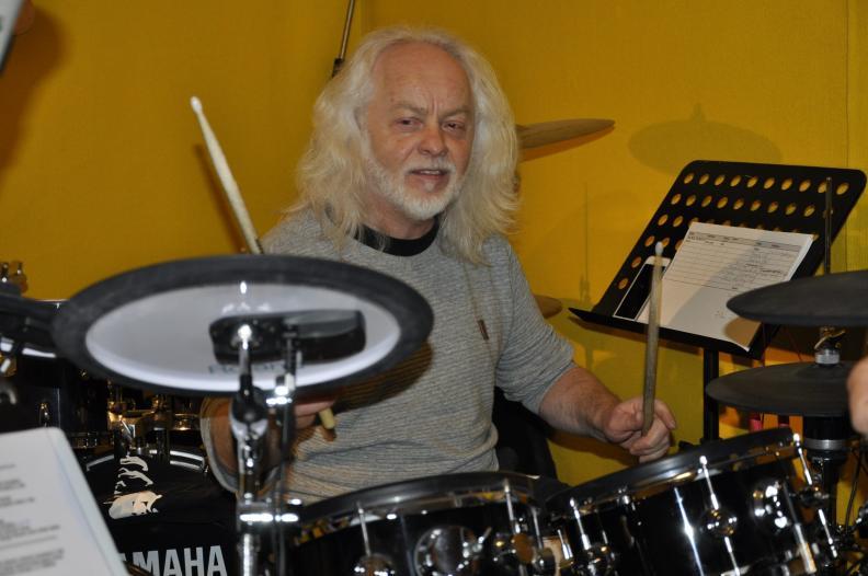 Georg, Drummer der Three Neander Tailors