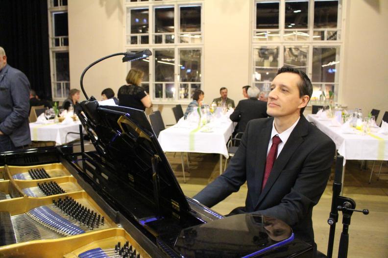 Pianist München Privat Feier Barpianist Dinner Hochzeit