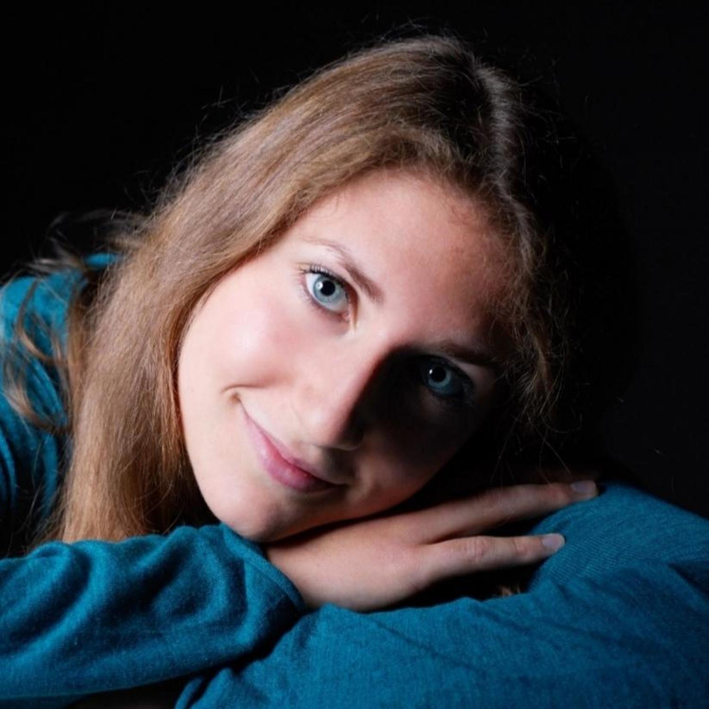 Leana Krummenacher, Klavier
