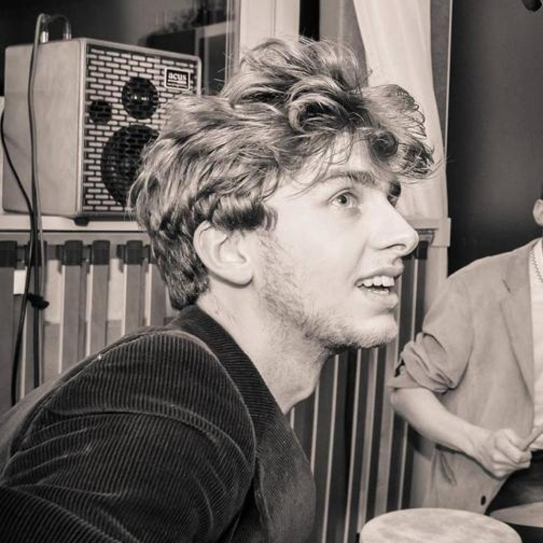 Dimitri Howald, Gitarre
