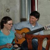 DUO POLÝCHROMOS mit Elisabeth Wetzel, Gesang, und Dirk Kreuzer, Gitarre